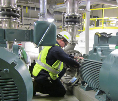 Siewert pump mechanic performing Laser shaft alignment at Global Foundries