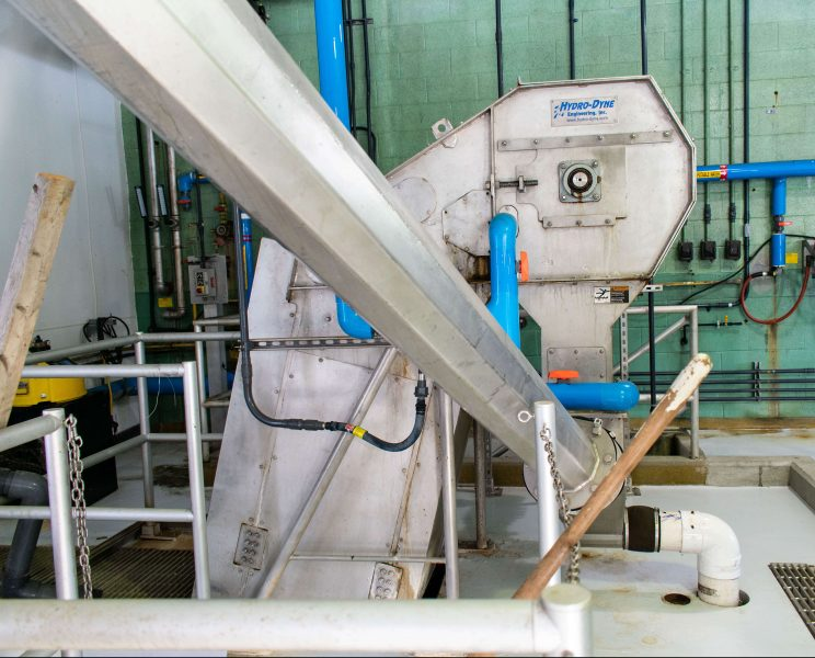 Hydro-Dyne Bull Shark through flow screen in NY WWTP